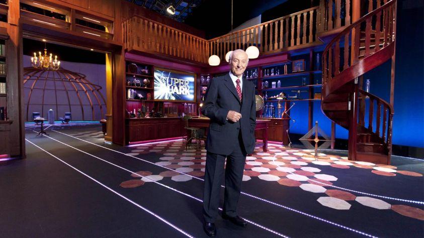 Stasera in tv mercoledì 12 luglio 2017 cosa guardare: Shades of blue su Canale 5, Superquark su Rai 1