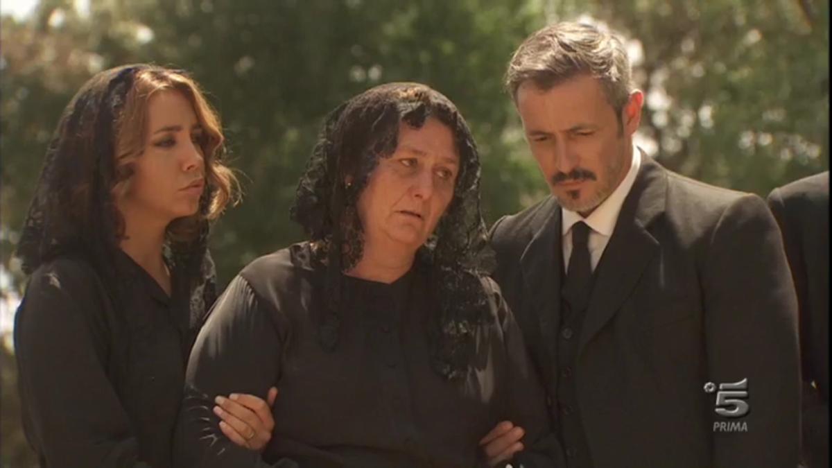 Il Segreto, riassunto puntata del 20 luglio 2017: il funerale di Mariana