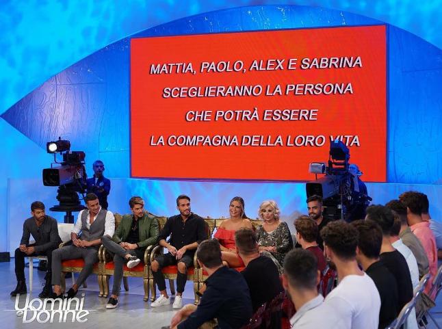 Uomini e Donne oggi, anticipazioni e news puntata 9 ottobre 2017: il trono classico e le paure di Sabrina