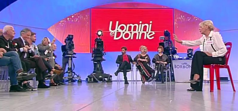Uomini e Donne, registrazioni trono over: Gemma confessa di amare Giorgio, Manila e Fabrizio salutano