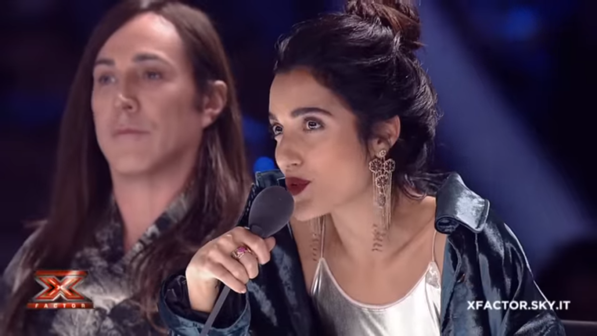 Stasera in tv giovedì 23 novembre 2017 cosa guardare: X Factor su Sky Uno, Smetto quando Voglio 2 su Rai 3