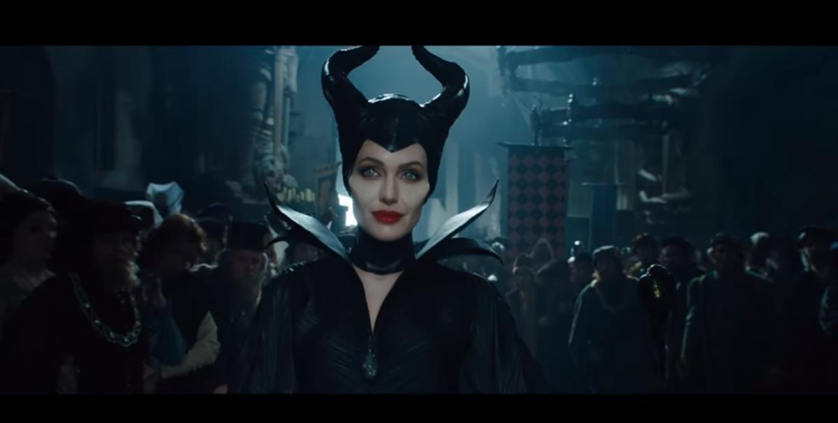 Stasera in tv venerdì 29 dicembre 2017 cosa guardare: Maleficent su Rai 1, Basic Instinct su Rete 4