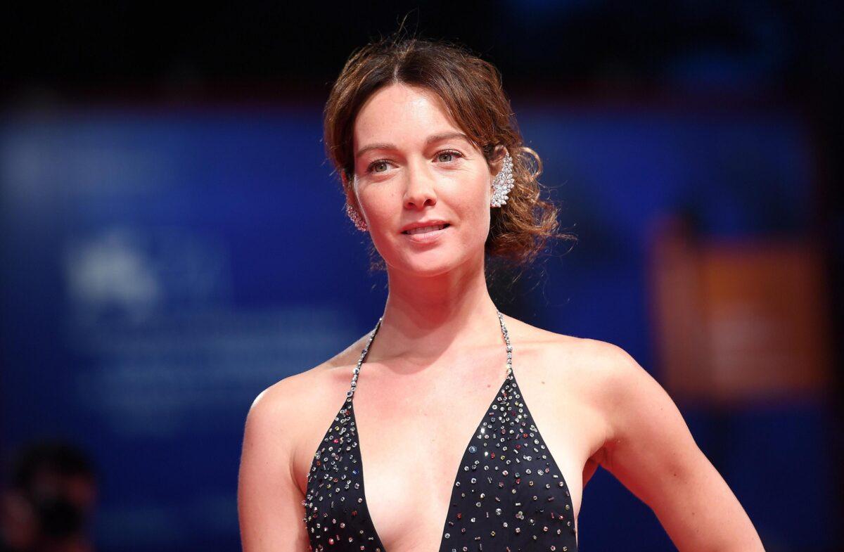 Liberi Sognatori, Una donna contro tutti su Canale 5 il 4 febbraio 2018: trama, cast e anticipazioni