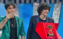 Festival di Sanremo 2018, i vincitori sono Ermal Meta e Fabrizio Moro con Non mi avete fatto niente