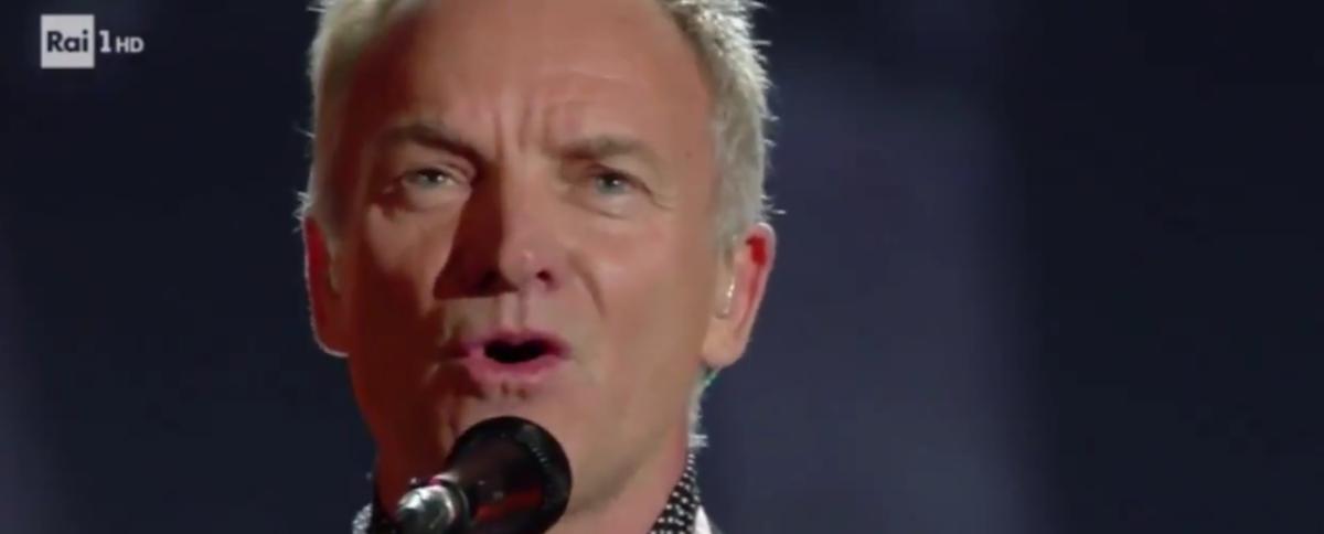Sanremo 2018, Sting canta 'Muoio per te' e rende omaggio alla musica italiana