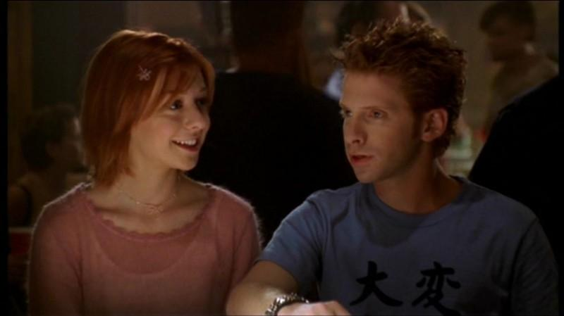 Alyson Hannigan e Seth Green in una scena di Buffy