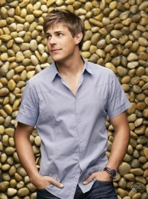 Private Practice 4 senza Chris Lowell?