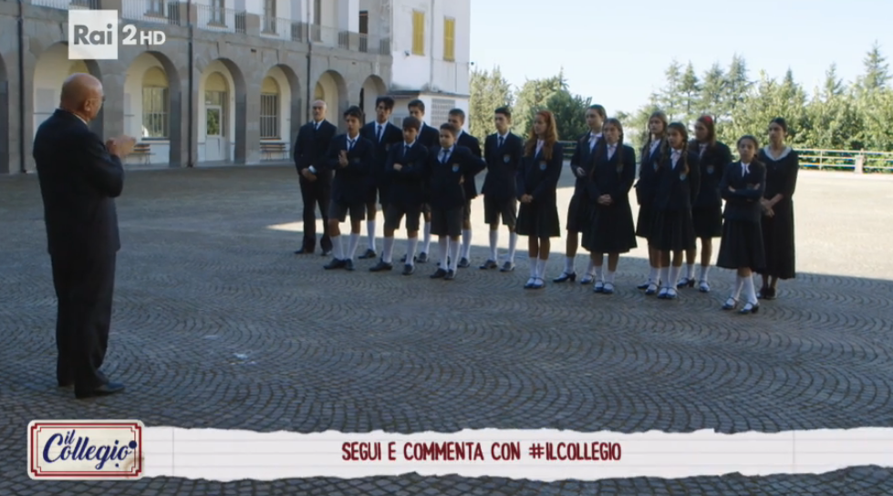 I collegiali convocati in cortile