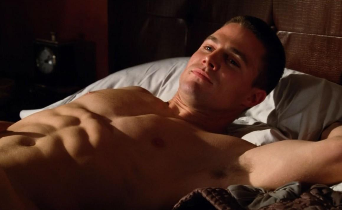 Stephen Amell in Hung